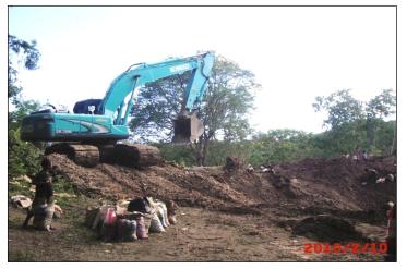 contoh kerusakan lingkungan yang terjadi akibat penambangan mangaan di Kabupaten Kupang, Nusa Tenggara Timur